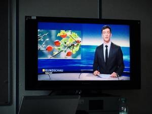Salvan Joach im München beim Nachrichten Sprechen  Üben.